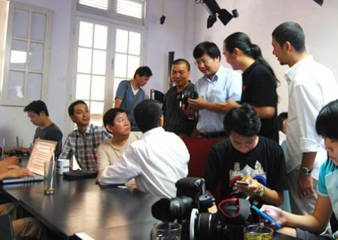 Offline 'xem mặt' Canon EOS-1D X