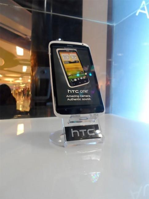 One X và Evo 4G bị hoãn nhập khẩu vào Mỹ vì Apple