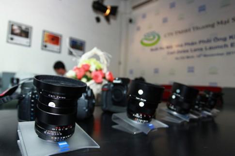 Ống kính Carl Zeiss được phân phối chính thức tại VN