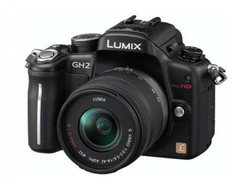 Panasonic GH2 và Nikon P7000 nâng cấp firmware