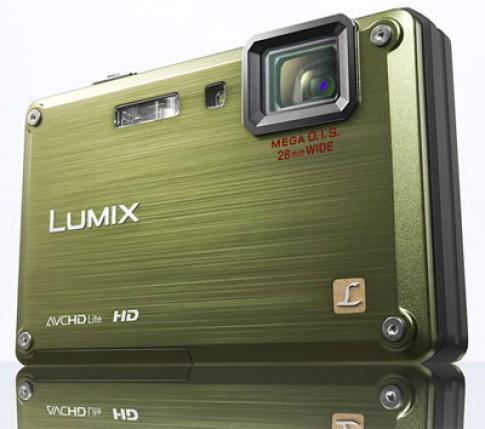Panasonic ra máy ảnh chịu nước