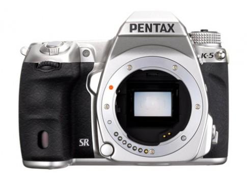 Pentax có thể ra DSLR cảm biến full-frame năm sau