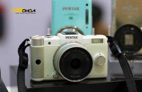 Pentax Q chính hãng giá 17,8 triệu đồng