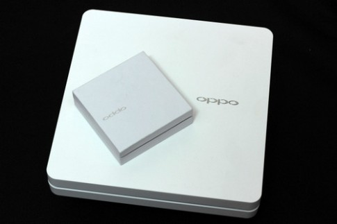 Phablet Full HD Oppo N1 chính hãng giá từ 12,7 triệu đồng