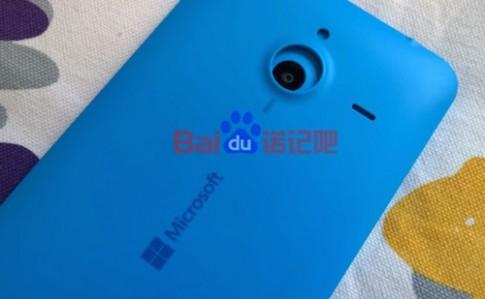 Phablet giá rẻ Lumia 1330 lộ ảnh mặt sau