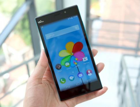Phablet màn hình 5,5 inch hỗ trợ 2 SIM giá 3,9 triệu đồng