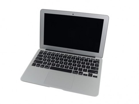 'Phẫu thuật' laptop MacBook Air 2013