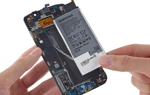 Phí thay pin Galaxy S6 rẻ hơn so với iPhone