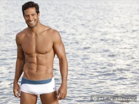 Quần bơi nam tính và thời trang cho các chàng mùa đi biển
