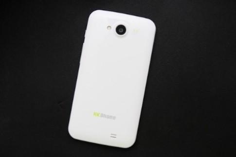 Revo HD4 - smartphone giá rẻ cấu hình 'khủng'