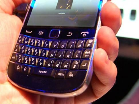 RIM có thể bỏ thiết kế bàn phím trên máy chạy BBX