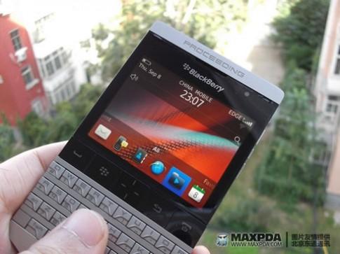 Rò rỉ thông tin BlackBerry Bold 9980 với bàn phím kim loại