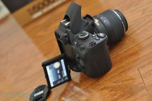 Rộn ràng 'đập hộp' Nikon D5000