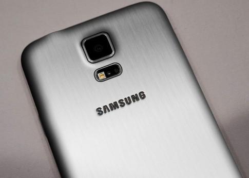 Samsung có thể ra bản Galaxy S5 cao cấp hơn vào tháng 6
