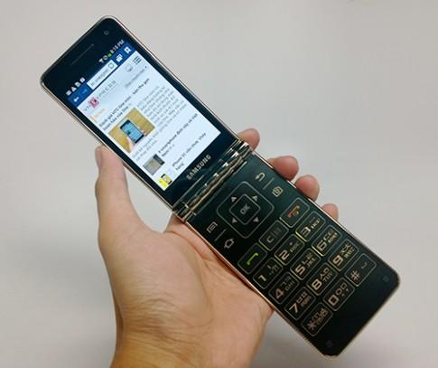 Samsung Galaxy Golden - smartphone nắp gập 2 màn hình