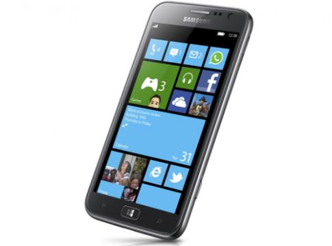 Samsung hoãn bán điện thoại Windows Phone 8