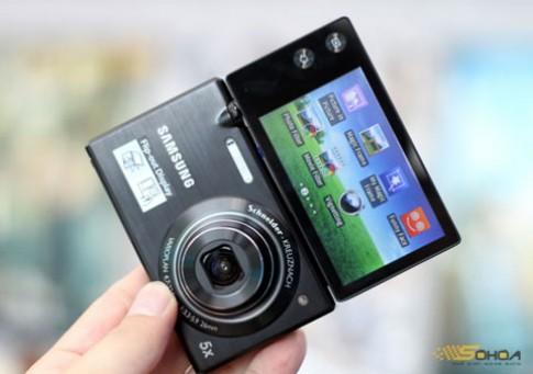 Samsung MV800 màn hình xoay 180 độ