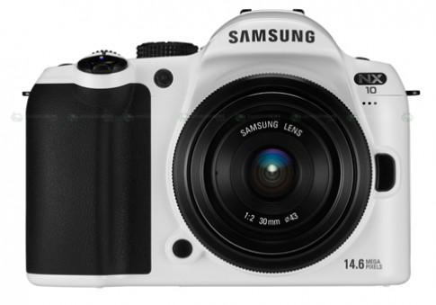 Samsung NX-10 màu trắng tuyết