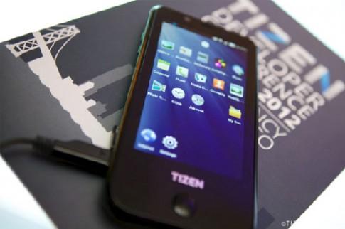 Samsung ra mắt thiết bị đầu tiên chạy hệ điều hành Tizen