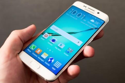 Samsung sắp ra phablet Galaxy S6 Plus màn hình cong