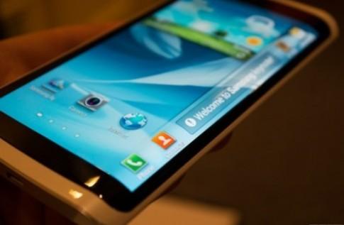 Samsung sắp ra smartphone có màn hình uốn quanh thân máy