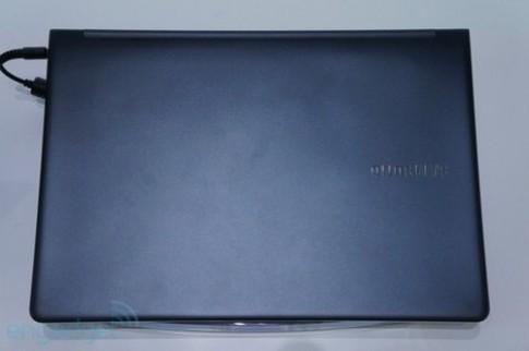 Samsung trình làng laptop màn hình độ phân giải 'khủng'