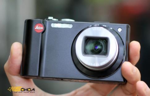 'Siêu zoom' của Leica giá 19,6 triệu