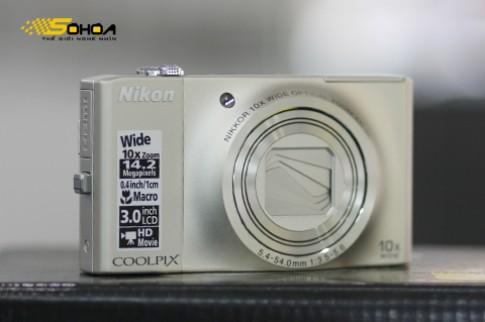 Siêu zoom mỏng manh của Nikon