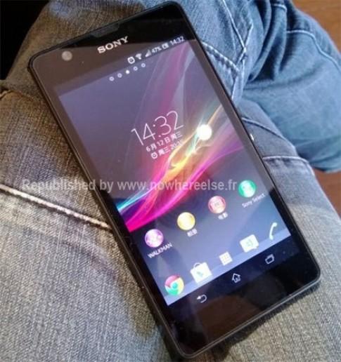 Smartphone 6,44 inch của Sony có thiết kế giống Xperia Z