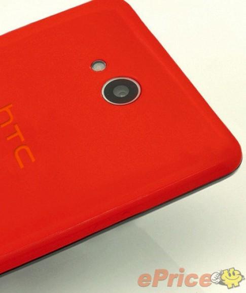 Smartphone Android 8 nhân thiết kế sặc sỡ của HTC