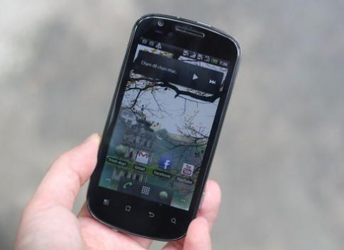 Smartphone Android màn hình 4 inch rẻ nhất VN