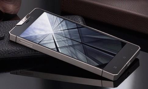Smartphone Android vỏ titanium giá hơn 60 triệu đồng