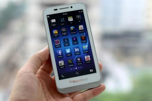 Smartphone Blackberry lạ xuất hiện ở VN