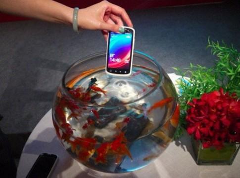 Smartphone chống nước giá rẻ của Trung Quốc