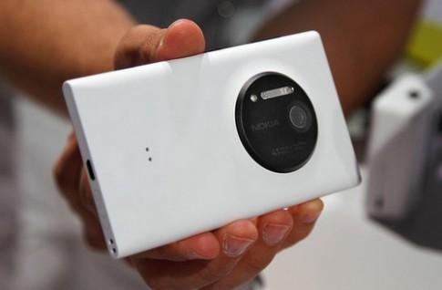 Smartphone chụp hình nổi bật nhất 2013