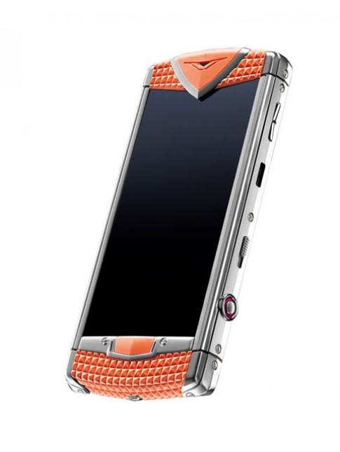 Smartphone 'cười' của Vertu sắp đến VN