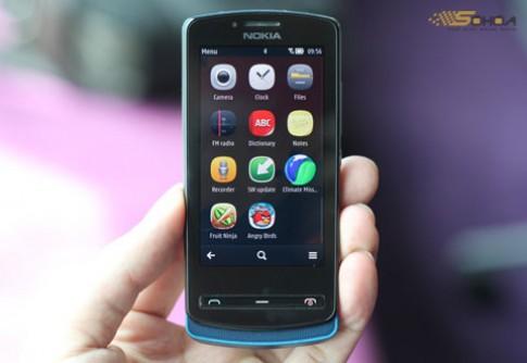 Smartphone dưới 10 triệu ồ ạt 'lên kệ'