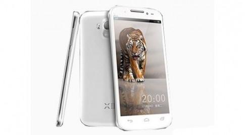 Smartphone Full HD, chip bốn lõi, hai sim giá 5,4 triệu đồng