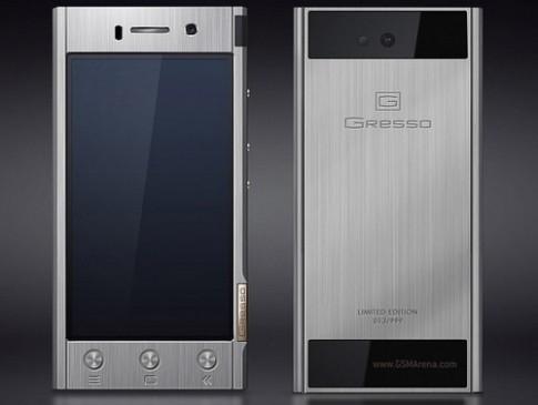 Smartphone hạng sang vỏ Titan chạy Android