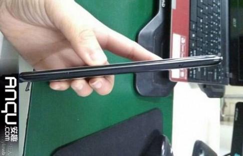 Smartphone lõi tứ mỏng 6,1 mm sẽ ra mắt cuối tháng 4