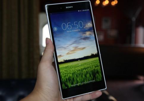 Smartphone lớn nhất thế giới được rao bán hơn 15 triệu đồng ở VN