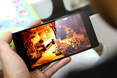 Smartphone màn hình 4K đầu tiên ở Việt Nam giá 20 triệu đồng