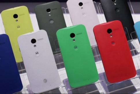 Smartphone 'tắc kè hoa' phiên bản giá rẻ của Motorola