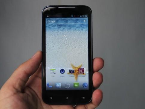 Smartphone thương hiệu Việt có máy ảnh 12 megapixel