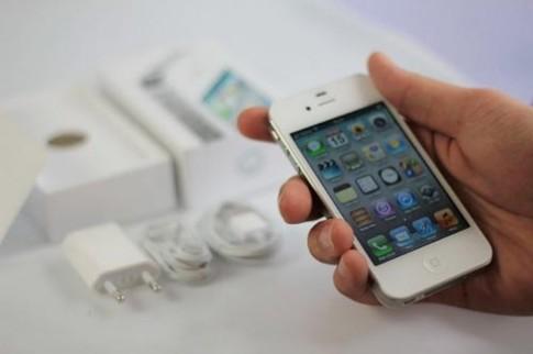 Số iPhone bán ra tăng mạnh trong quý IV/2011