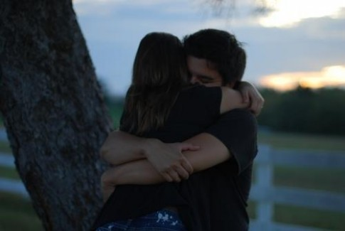 Sợ một ngày chúng ta lạc mất nhau...