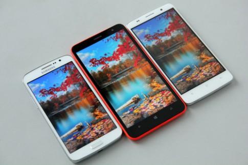 So sánh bộ ba smartphone màn hình lớn giá tốt (1)