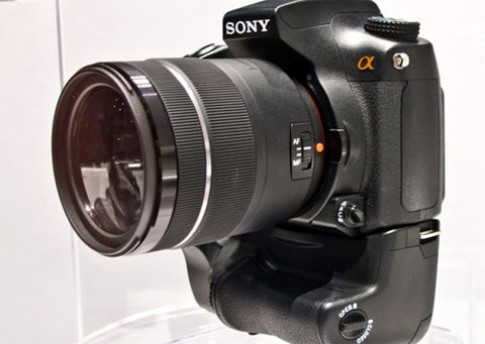 Sony A77 lộ diện