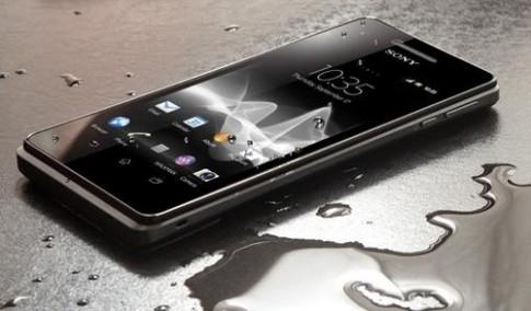 Sony bắt đầu bán Xperia V chống nước ở Singapore