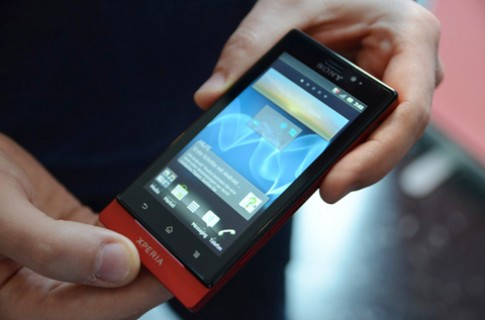 Sony giới thiệu Xperia Sola tầm trung
